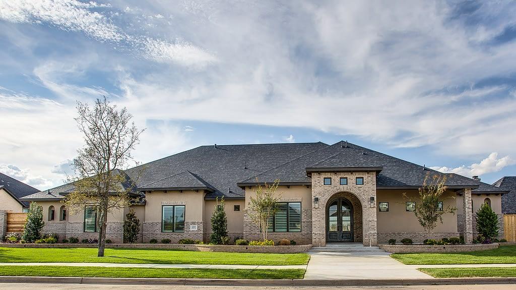 Luxury Custom Home in Oakmont Estates Built By Mike Becknal & Company